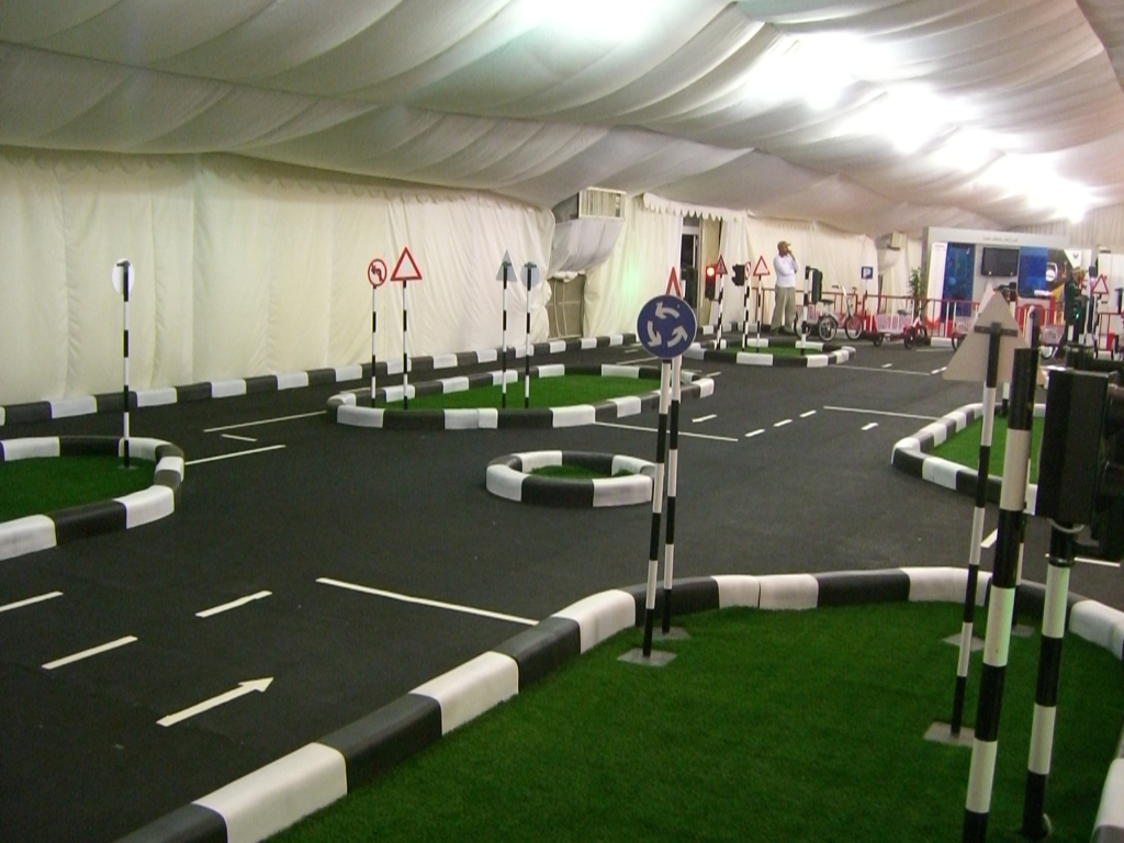 Figures - Road Circuit for Kids