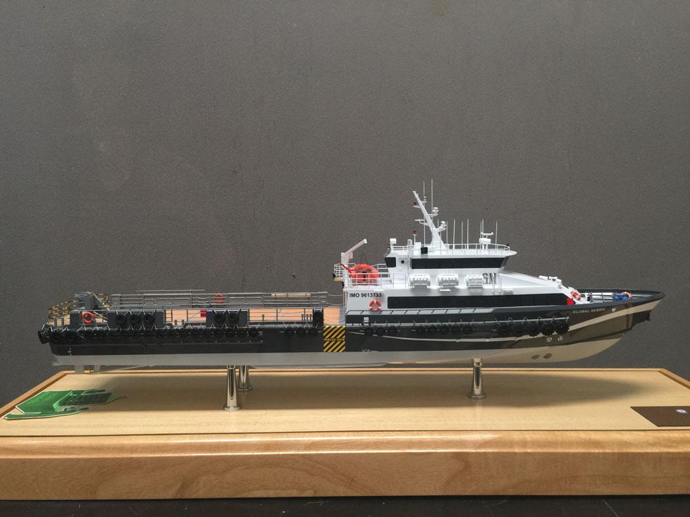 Scale Model - Crew boat - Global Cheetah