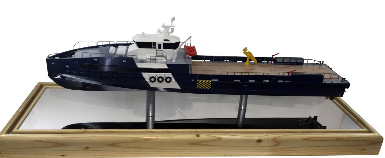 Scale Model - Ships - 45m Crew boat boat