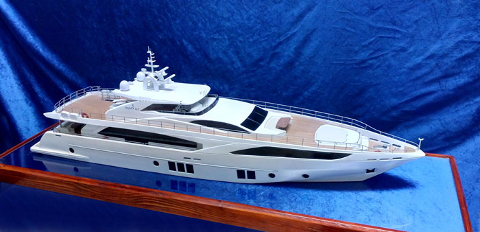 Yacht-Majesty 122